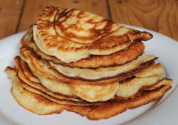 Pfannkuchen auf einem Teller